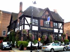 Railway Tavern- Crouch End (Draopsnai) Tags: railwaytavern pub traditionalbritishpub londonboozer crouchendhill crouchend haringey
