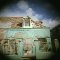 Curacao - the other side (4) (Karin Kramer Photography) Tags: sun house green film square island holga curacao caribbean cura holga120n kodakportra160nc