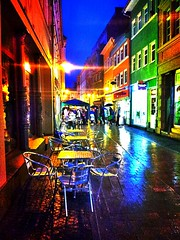 #Rain and #light are making the #colors of #Eisenach #shopping #night. (Lars Gebauer) Tags: light colors rain night shopping android eisenach streamzoo