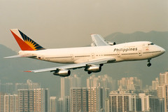 Philippine Airlines | Boeing 747-200 | N207AE | Hong Kong Kai Tak (Dennis HKG) Tags: plane airplane hongkong airport aircraft philippines pr boeing pal boeing747 hkg 747 kaitak planespotting philippineairlines 747200 boeing747200 vhhh vhhx n207ae