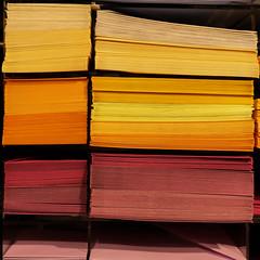 Farbe im Alltag (Werner Schnell Images (2.stream)) Tags: ws farbe farben papier paper shop laden schreibwaren briefpapier letter colour colours