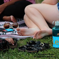 IMG_2571_Nice toe ring (sdttds) Tags: feet barefeet arches soles toes pretty sexy beautiful fuesse fse pies wawae pieds   miguu  chn delightful gorgeous toering jewelry 366in2016 230of366 pictureoftheday august172016