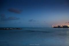 Una mirada al horizonte... (DinoPC) Tags: paseo martimo longexposure picoftheday cityshots barcelona nightshot enjoyingnight canon6d catalunya beach