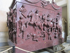Rome: Vatican Museums - Sarcophagus of St. Helena in Pio Clementino Museum (escriteur) Tags: img5590 rome roma vaticancity vaticanmuseums museivaticani museopioclementino pioclementinomuseum greekcrosshall porphyry sarcophagus sarcophagusofsthelena