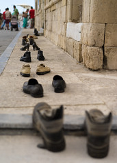 waiting (durandyanick) Tags: shoes foot zeiss 55mm sony a7 travel chania crte cratos greece prime boots