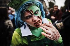 DSC00730 (une_semaine) Tags: zombie pairs place rpublique