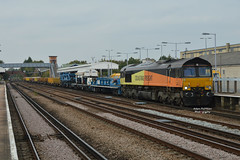 6Y48 66848 Eastleigh Yard - Hoo Jn (Adam McMillan Railway Photography) Tags: 66848 seen passing paddock wood with diverted 6y48 eastleigh east yard hoo jn tracklaying sleeper device colas rail departmental shed lewishamdiverts