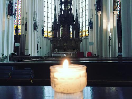 Ein Licht anzünden - für die #menschen für den #frieden für die #welt