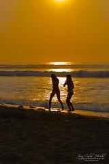 JCHM-2056.jpg (jchmfoto.com) Tags: amrica trujillo descripcindeedad amricadelsur rayosdesol mujeres per playa huanchaco lalibertad pe