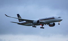 Singapore Airlines Airbus A350-900 (AMSfreak17) Tags: amsfreak17 danny de soet canon 70d ams eham amsterdam luchthaven schiphol airport vliegtuigen vliegtuig aircraft airplane jet jetphotos planespotting luchtvaart vertrek aankomst departure arrival spotter planes world of airplanes nederland the netherlands holland europe dutch landing approach runway 06 kaagbaan singapore airlines airbus a350900 9vsmb