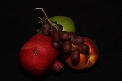 Fruits on Black (OrlandParkBirdieGirl) Tags: chiaroscuro obscuro obscure dark chiaro clear light renaissance baroque periods three dimensional realism fruits carravagio rembrandt the flickr lounge week 46 saturday theme low key photography
