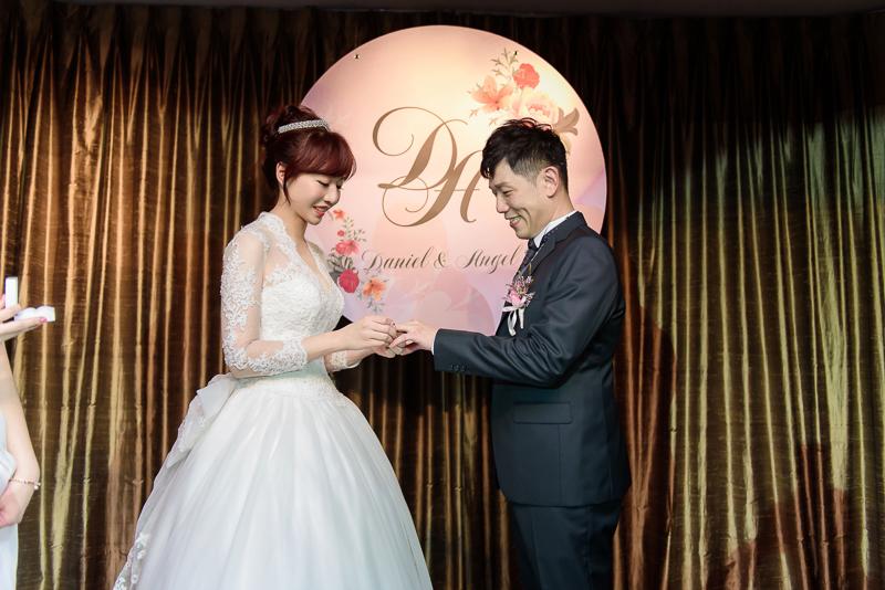 國賓婚攝,台北國賓,國賓飯店婚宴,新秘Miko ,婚攝小勇,台北婚攝, 愛瑞思新娘秘書造型團隊,西敏英國手工婚紗,小寶工作室-044