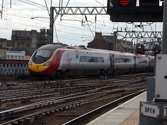 GLASGOW 390114 CITY OF MANCHESTER (johnwebb292) Tags: electric class 390 390114 cityofmanchester virgin pendolino glasgow