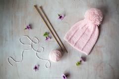 ({Larysa}) Tags: knitting stilllife gorro agijas autumn bebe baby rosa pink lana wool flores flower cann 50mm