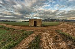 crulla (Josep M.Toset) Tags: cam camino caseta catalunya crulla josepmtoset construcci concadebarbera d800 nvols pagesia paisatge nikon sembrat