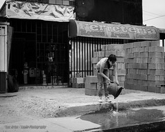 Ferretera (Lex Arias / LeoAr Photography) Tags: 2016 bn bw barquisimeto blackandwhite blancoynegro documental everybodystreet fotografacallejera iglexariasphotos jouralism leoarphotography lexarias monochromatic monochrome monocromo nikon nikond3100 street streetphotography urban urbana venezuela