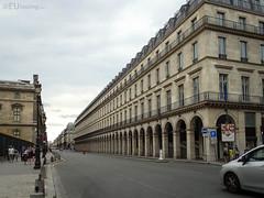 Louvre des Antiquaires (eutouring) Tags: paris france city life citylife pariscitylife travel louvredesantiquaires louvre architecture perspective ruederivoli