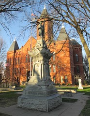 Hamilton County Courthouse (Aurora, Nebraska) (courthouselover) Tags: nebraska statues ne aurora courthouses hamiltoncounty countycourthouses civilwarmonuments civilwarmemorials usccnehamilton williammgray unionmonuments