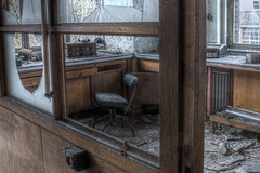 [Universit L] (BE) (AleXKa.) Tags: school windows abandoned window office chair university decay universit forgotten urbanexploration derelict hdr ue urbex abandonn alexka lostplaces brokenglasses explorationurbaine urbexbelgium urbexbelgique universitl