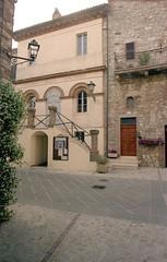 Il teatro (Fabio Tiberi) Tags: teatro arte monte piccolo castello umbria borghi vibio montecastellodivibio fabio61