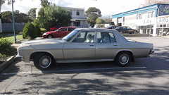 1977/80 Holden HZ Statesman Deville (The Scooter Guy) Tags: car wheel hub sedan steering interior space parking may headlights retro nostalgia cap badge round adelaide dashboard grille friday deville southaustralia luxury hz 17th holden statesman delights 2013 teatreegully holdenhill 197780