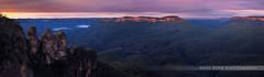 The Famous 3 Sisters || KATOOMBA || BLUE MOUNTAINS (rhyspope) Tags: trees sunset panorama mountain pope rock forest sunrise canon woods mt australia bluemountains threesisters aussie solitary jamison rhys katoomba 3sisters 500d jamisonvalley ruinedcastle rhyspope