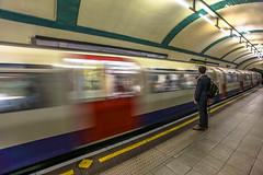 TUBE (Rober1000x) Tags: london londres tube kingcross england uk 2016 subway metro train europa europe summer