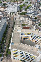 Nantes-Tour_de_Bretagne_vue_a_la_Station_JeanJaures_TAN-Inspiro_22072016 (giesen.torsten) Tags: nantes frankreich france paysdelaloire nikon tourdebretagne aussichtsplattform blickbernantes nikond810