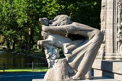 Brderchen und Schwesterchen am Mrchenbrunnen im Von-der-Schulenburg-Park in Neuklln (Jonny__B_Kirchhain) Tags: katharinaszelinskisinger brderchenundschwesterchen vonderschulenburgpark schulenburgpark rudolfvonderschulenburg gartendenkmal mrchenbrunnen mrchenbrunnenimschulenburgpark ernstmoritzgeyger berlin neuklln berlinneuklln sonnenallee garten gartenanlage park parkanlage deutschland germany allemagne alemania repblicafederaldealemania federalrepublicofgermany rpubliquefdraledallemagne germania repubblicafederaletedesca     alemanha repblicafederaldaalemanha niemcy republikafederalnaniemiec