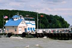 boarding the ferry (Lana Pahl / Country Star Images) Tags: catawbaisland ohio ferry