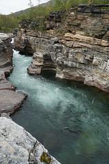 Abiskoeatnu canyon (Madde Elg) Tags: abisko lapland lappland norrbotten fjll abiskoeatnu abiskojokk canyon kanjon jokk lv river turquoise stenformation rockformation sapmi