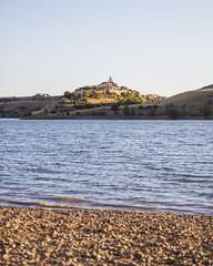 Maderuelo (ponzoosa) Tags: embalse linares soria segovia castillejo robledo maderuelo playa ro