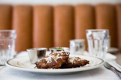 019-arthurs-photo susan moss (The Montreal Buzz) Tags: montreal quebec canada susan moss arthurs restaurant nosh plat repas patates galettes pomme de terre