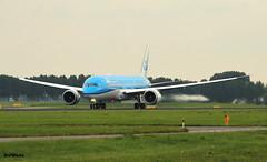 KLM Royal Dutch Airlines 787-9 PH-BHH / AMS (RuWe71) Tags: klmroyaldutchairlines klklm koninklijkeluchtvaartmaatschappij airfranceklm klm boeing boeing787 b787 b789 boeing7879 boeing7879dreamliner b7879 phbhh hh007 n1005s jasmijnjasmin amsterdamschiphol schiphol schipholairport amsterdamschipholairport ams eham polderbaan planes airport aviation spotter vliegtuigen luchthaven engines runway avions aéroport spotting widebody flugzeuge flughafen heavy planespotting aeropuerto aviónes wingflex greyskies planespotter aviationphotography canon canonphotography