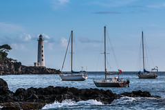Phare - Vieux Fort - [Guadeloupe] (Thierry CHARDES) Tags: france guadeloupe antilles caraïbes caribbean phare lighthouse bateaux voiliers mouillages basseterre