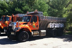 Garden State Parkway 2010 International Workstar 7500 SFA 6x4 plow sander - truck No. T-2111-6 (JMK40) Tags: international workstar 7500 maxxforce allison parkway nj state highwaydepartment government municipal snow plow sander truck