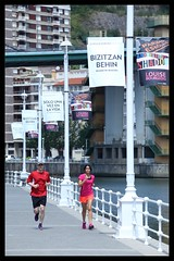 Bilbao Runners (King'76) Tags: bilbao spain guggenheim king76 canoneos6d