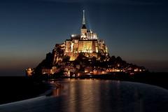 Heure bleue au Mont-Saint-Michel (jjcordier) Tags: montsaintmichel france abbaye merveille heurebleue nuit reflet ocan unesco bassenormandie