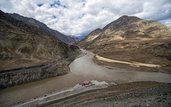 Confluence (Fil.ippo) Tags: indus indo zanskar samgam confluence river water ladakh india filippo filippobianchi d610 acqua landscape