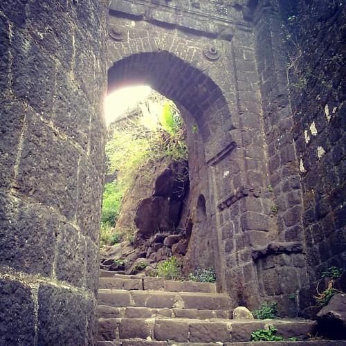 #Kalyan #Darwaja, #Sinhagad #Fort, #Pune #sinhagad #mahabhatkanti #placesinpune