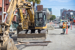 160920_1173_4thStSTS (Central Subway) Tags: 4thstreet 5554thstreet centralsubway freelonalley muni sf sfmta sts sanfrancisco sanfranciscomunicipalrailway sanfranciscomunicipaltransportationagency soma tthirdline thepalms welshalley construction excavator extension lightrail phase2 project sitecleanup southofmarket surfacetrackwork utilitywork