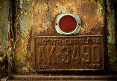 Tailgating Old School (hutchphotography2020) Tags: taillight rust nclicenseplate corrosion tailgate chain pickuptruck nikon trolled