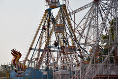 Assembling Camel Fair Rides (AGrinberg) Tags: carnival india building amusement rides pushkar assembling camelfair 24992buildingrides