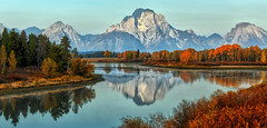 Autumn Shoreline (Jeff Clow) Tags: autumn fall nature water season landscape seasons seasonal mountmoran grandtetonnationalpark oxbowbend tpslandscape