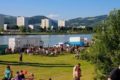 Linzfest 2013 -Tag 1 (austrianpsycho) Tags: people truck linz leute menschen ufer lkw orf laster urfahr 2013 linzfest donaulände 18052013 linzfest2013 übertragungswagen