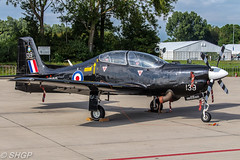 Tucano T1, Royal Air Force, Luchtmachtdagen, Leeuwarden 2016 (harrison-green) Tags: rnlaf dutch foundation alenia aermacchi m346 master luchtmachtdagen leeuwarden ab netherlands aircraft air show airshow holland viper role demo aviation jet combat canon eos 700d sigma 150500mm vehicle airplane hawker hunter t8c outdoor airliner jetliner n294 shots tucano royal force trainer