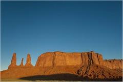 Monument Valley 0029 (Ezcurdia) Tags: monumentvalley utah arizona usa eeuu navajo tsebiindisgaii limolita navajotrivalpark johnfordpoint