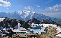 Massif des Aiguilles Rouges et Mont Blanc (CHAM BT) Tags: lac eau neige gel glace montagne rocher pierre gelee montblanc glacier lake water snow frost mountain rock stone hautesavoie france nuage cloud