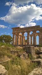Sicilia (cortomaltese) Tags: selinunte marinella castelvetrano trapani sicilia italia italy magnagrecia tempiogreco greektemple ruderi remains clouds