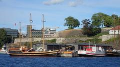 Oslo harbour (Odd Stiansen) Tags: skip akerhus festning oslo norgenorway sommer